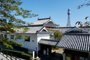 福知山城から郷土資料館,産業館,美術館を見るの写真素材 [FYI02650692]