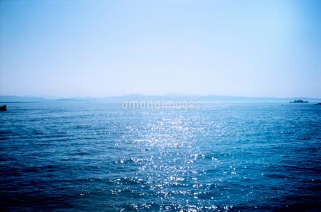 初夏の湘南の海の写真素材 [FYI02650837]