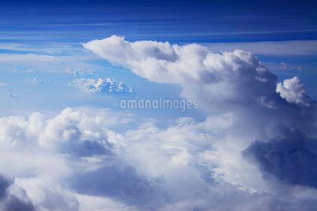 波状の雲と雲海の写真素材 [FYI02650927]