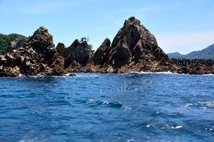 名勝,観光船で浦富海岸めぐり,岩燕洞門の写真素材 [FYI02651280]