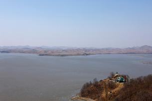 オドゥサン(烏頭山)統一展望台から望む北朝鮮の写真素材 [FYI02651824]