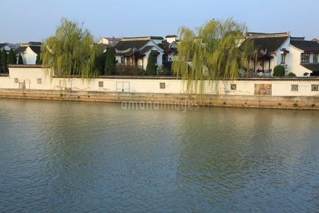 蘇州 水郷(運河)の写真素材 [FYI02651847]