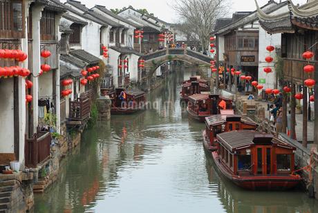 蘇州 水郷(運河)の写真素材 [FYI02651913]
