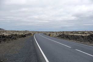 溶岩と道路43号線の写真素材 [FYI02652472]