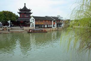 蘇州 運河と朝宗閣の写真素材 [FYI02652480]