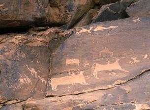 ジュッバの岩絵 狩猟の写真素材 [FYI02652534]