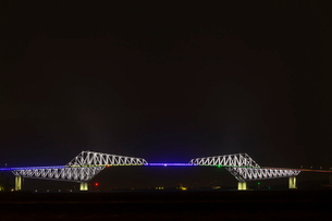 五輪招致ライトアップの東京ゲートブリッジの写真素材 [FYI02652625]