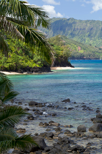 カウアイ島のハイダウェイビーチの写真素材 [FYI02652836]