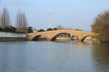 蘇州 水郷(運河)の写真素材 [FYI02652969]