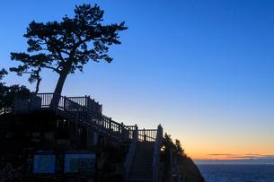 夕暮れの黄金崎公園の写真素材 [FYI02653630]