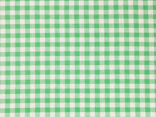 きみどりと白のコットンのチェックの布の写真素材 [FYI02653921]