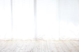 窓とカーテンの写真素材 [FYI02653961]
