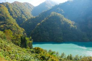 宇奈月湖の写真素材 [FYI02654411]