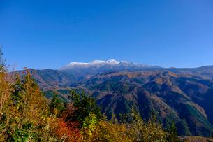 紅葉の御嶽山の写真素材 [FYI02654604]