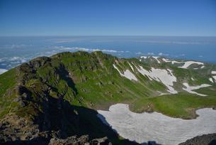 鳥海山の外輪山コースの写真素材 [FYI02654666]
