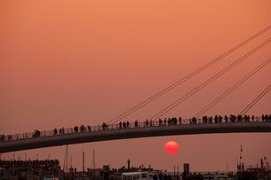 漁人碼頭の情人橋の夕日の写真素材 [FYI02654729]