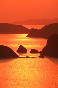 朝の野崎など慶良間諸島の写真素材 [FYI02654742]