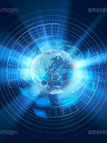 地球儀とモニターが浮かぶGUI画面と放射光のイラスト素材 [FYI02654793]