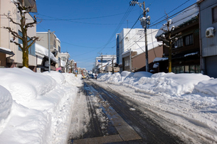 除雪した道の写真素材 [FYI02654963]