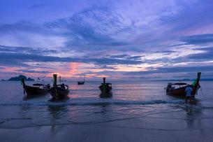 アオナンビーチの夕暮れの写真素材 [FYI02655339]