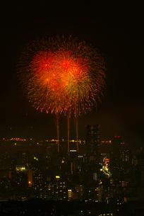 高良山から望む筑後川花火大会の写真素材 [FYI02655793]
