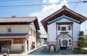 蔵の町の金忠と豆まるの写真素材 [FYI02655910]
