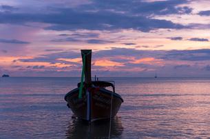 アオナンビーチの夕暮れの写真素材 [FYI02656073]