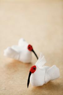 ちりめん細工の朱鷺の写真素材 [FYI02656089]