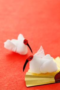 ちりめん細工の朱鷺の写真素材 [FYI02656164]