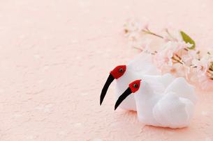 ちりめん細工の朱鷺の写真素材 [FYI02656166]