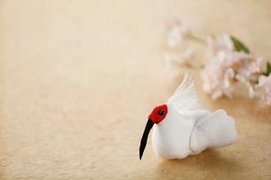 ちりめん細工の朱鷺の写真素材 [FYI02656168]