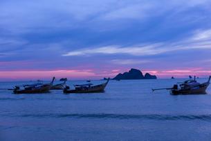 アオナンビーチの夕暮れの写真素材 [FYI02656726]
