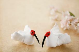ちりめん細工の朱鷺の写真素材 [FYI02656763]