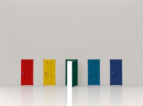 5つのドアのイラスト素材 [FYI02656965]