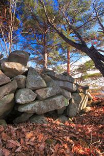 遠見番所跡の石積みの写真素材 [FYI02657407]
