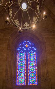ラ・ロンハ大広間の窓のステンドグラスの写真素材 [FYI02657725]