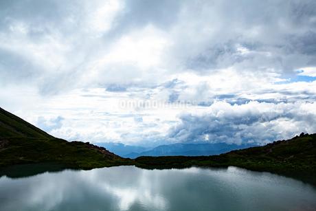 御嶽山五の池の写真素材 [FYI02658008]