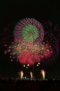 とりで利根川大花火の常磐線で行こう!の写真素材 [FYI02658277]
