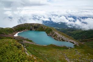 雲海と御嶽山三の池の写真素材 [FYI02658690]