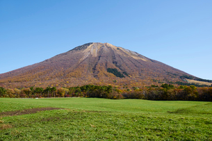 桝水高原より望む大山の写真素材 [FYI02658753]