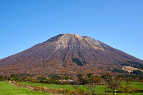桝水高原より望む大山の写真素材 [FYI02658755]