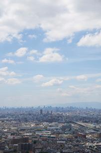 生駒山系から見る大阪の街並みの写真素材 [FYI02658862]