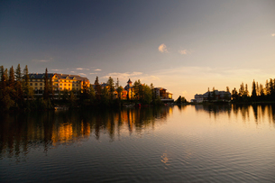 シトゥルバ湖の夕焼けの写真素材 [FYI02659005]