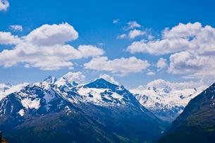 雪山の写真素材 [FYI02659023]
