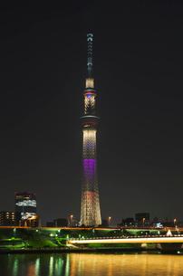 東京スカイツリーライトアップ(東京オリンピック招致)の写真素材 [FYI02659049]