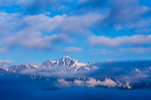 朝の白馬連峰の写真素材 [FYI02659485]