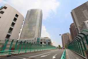三田橋から見た恵比寿ガーデンプレイスの写真素材 [FYI02659568]