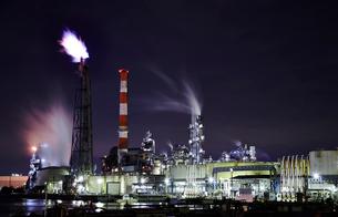 工場夜景の写真素材 [FYI02659917]