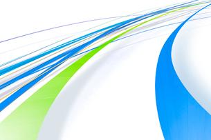 大きく円を描くように流れる青と緑のライン(光)のイラスト素材 [FYI02660044]