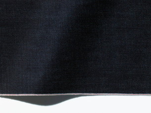 デニム生地とセルビッジの写真素材 [FYI02660058]